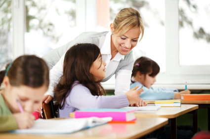 Pedagógiai és családsegítő munkatárs
